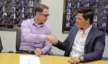 VIDEO: Holden re-signs HRT