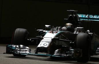 Last gasp effort earns Hamilton Singapore pole