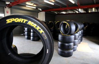 V8 teams face exclusion over tyre pressures