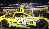 Kenseth wins NASCAR curtain raiser