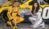 Kenseth scores pole for Coke 600