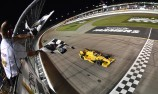 Hunter-Reay tames wild Iowa IndyCar race