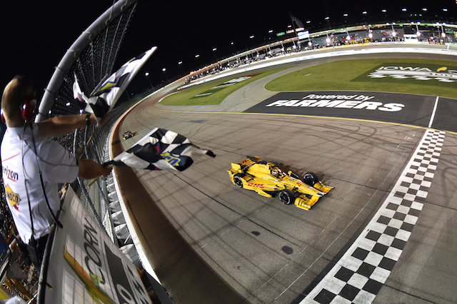 Hunter-Reay tames wild Iowa IndyCar race - Speedcafe