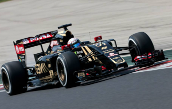 Renault is eyeing the purchase of the Lotus F1 squad