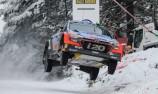 Paddon pushes Ogier in Sweden