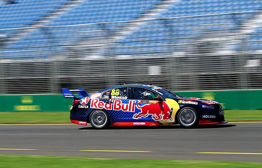 Whincup scores pole in tight qualifying - Speedcafe