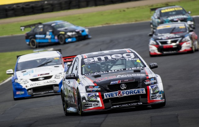 Simon Evans on his way to victory in Race 1 at Pukekohe