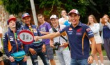 VIDEO: Marquez plays tour guide