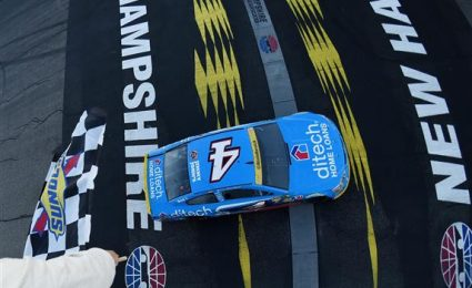 Kevin Harvick secures crucial Loudon win