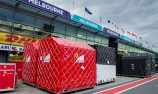 VIDEO: F1 teams arrive in Melbourne pits