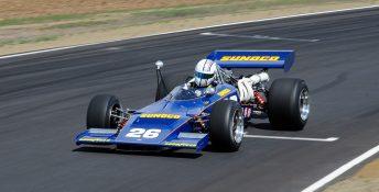 Jason White at speed in the Dutton Motorsport Lola T192