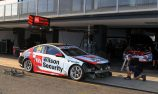 Holden teams strengthen front splitter supports