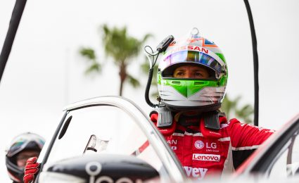 De Silvestro reaffirms commitment to Supercars, Kellys