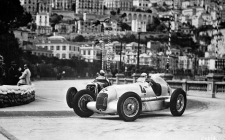 Luigi Fagioli behind the wheel of the Mercedes-Benz W 25 in the 1935 Monaco GP